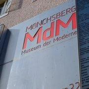 Von unten gehts mit dem Mönchsbergaufzug…