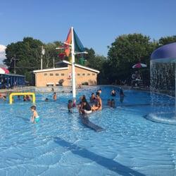 Connors memorial swimming pool waltham ma united states for Memorial park swimming pool hours