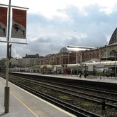 Looking across to platform 2 (northbound) and platform 1 behind (District Line) with the Exhibition centre halls behind.