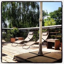 Lounge / Sommerterasse tagsüber / 36'C