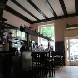 Esszimmer 1 (ganz vorne) mit Bar. Blick…