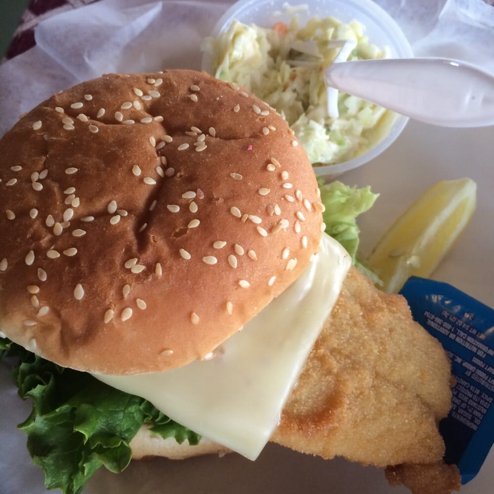 Dad s restaurant of niantic seafood restaurants for Fish sandwich near me
