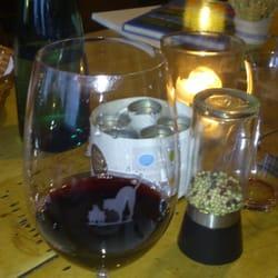 Guter Wein aus Riedelgläsern mit eigenem…