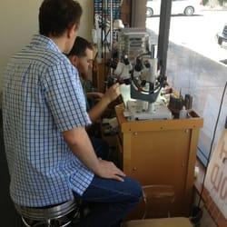 Time Palace Jewelers - Nice gentlemen working on my watch. - Tustin, CA, Vereinigte Staaten