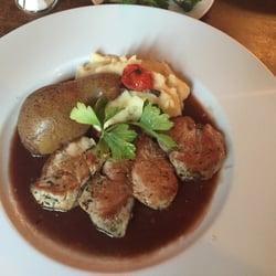 Les Bougresses - Paris, France. Filet mignon..very tasty!