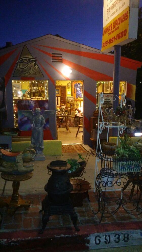 Eclektic eye vintage shop 27 photos antiques tujunga for Antique shops in los angeles