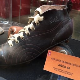 Museum Atletico Madrid: Dutch made football shoes worn by Atl. Madrid player