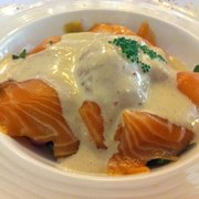 Salmon appetizer... very very fresh!