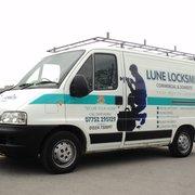 Lune Locksmith service van
