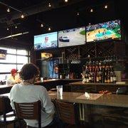 Jonathan's Grille - Mount Juliet, TN, États-Unis. Plenty of TV options