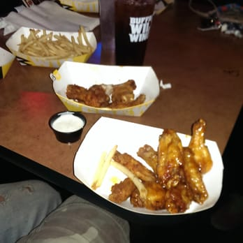 Buffalo Wild Wings - Baldwin Hills/Crenshaw - Los Angeles, CA | Yelp