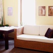 Wartebereich in der Massagepraxis Zintel