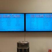 Iced Dreams Ice Cream Cafe - Santa Clarita, CA, États-Unis. Menu as of 1/25/14