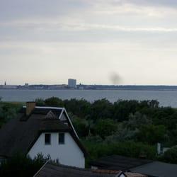 Im Hintergrund das Hotel Neptun in…