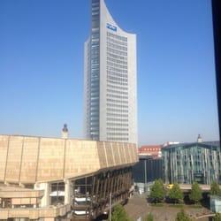 Blick auf das Cityhochhaus vom Zimmer!!