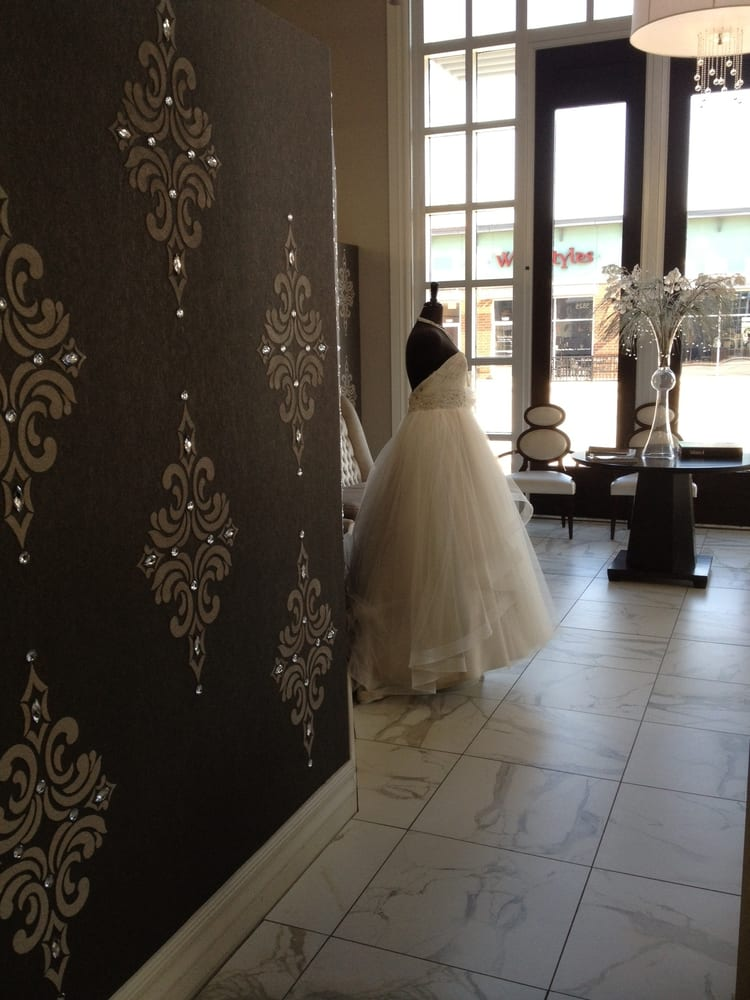 Bridal Stores In West Des Moines Iowa - Amore Wedding Dresses