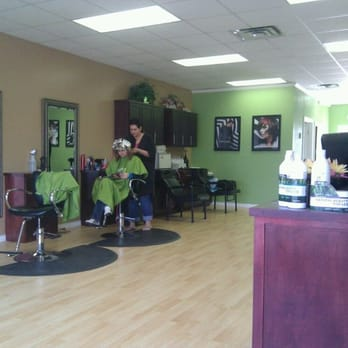 Eclips salon hairdressers 16604 north western ave for Accentual salon edmond ok