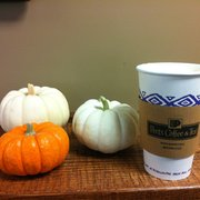 Specialty's Cafe & Bakery - The new Maple Latte- it's like sipping on fall :-) - Milpitas, CA, Vereinigte Staaten
