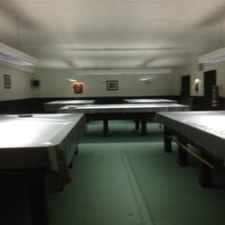 5 snooker tables in a private room 2 English pool and 1 American table in other room