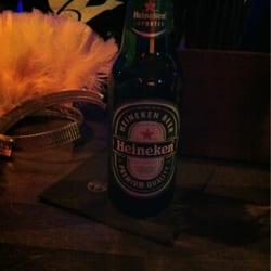 ein Heineken aus der Flasche