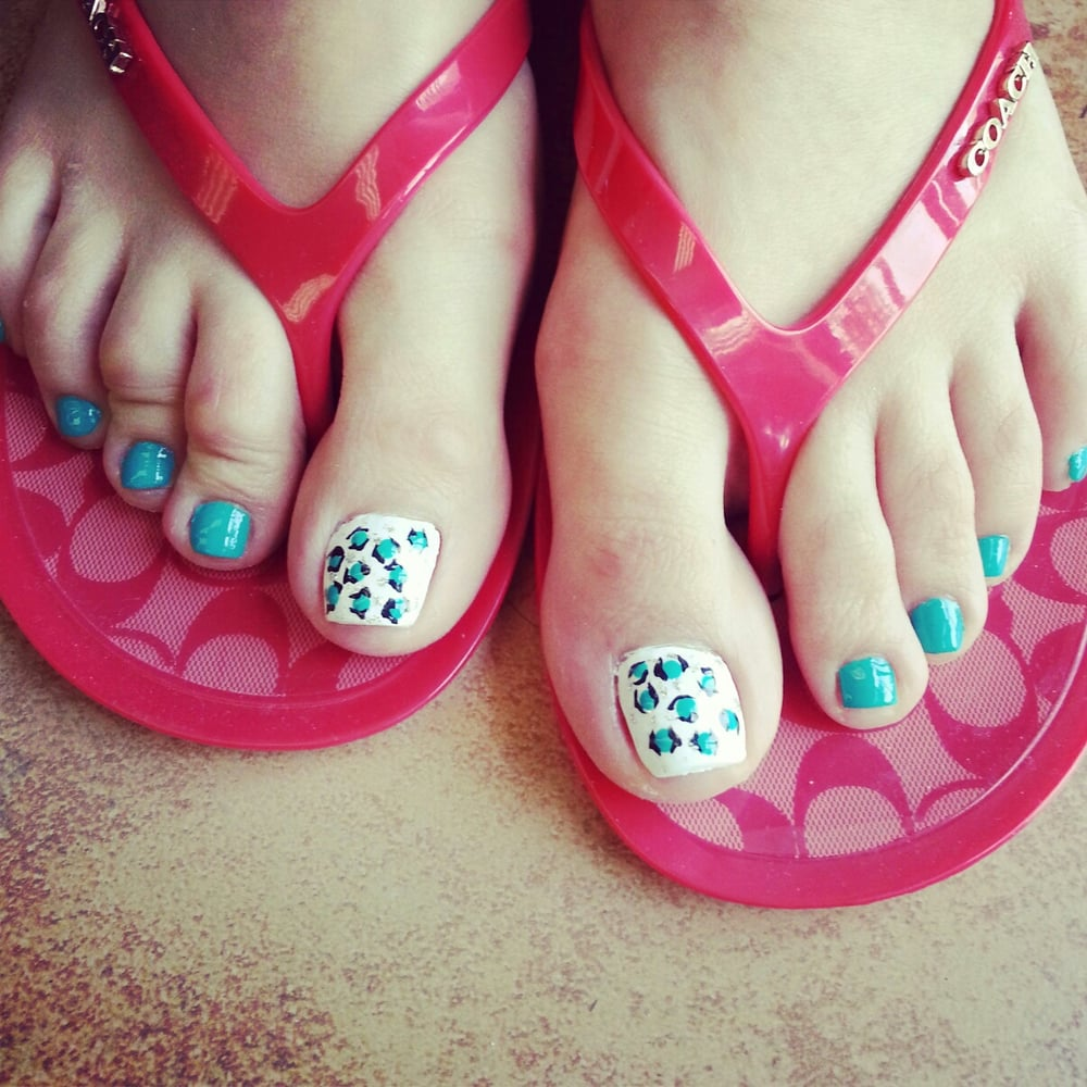 Gel pedicure with cheetah design yelp for Fish pedicure near me