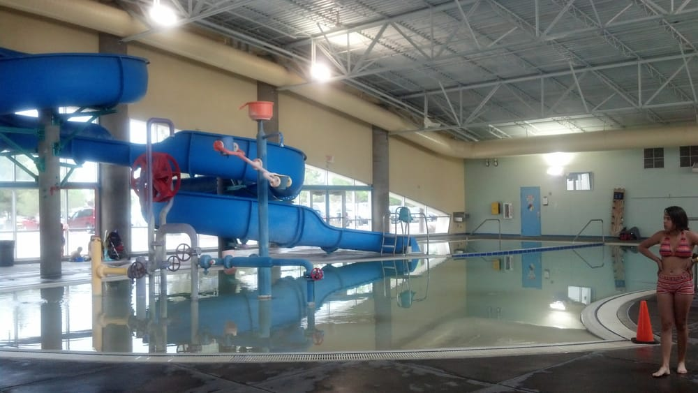 West mesa aquatic center indoor pictures to pin on for Indoor pool mesa az