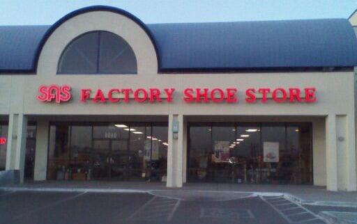 San antonio shoemakers zapater as 6940 n mesa st el paso tx estados unidos fotos yelp - La hora en el paso texas ...