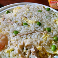Chu's Cafe - House fried rice is very nice. Clean flavors...no pork or beef though. - Basking Ridge, NJ, Vereinigte Staaten