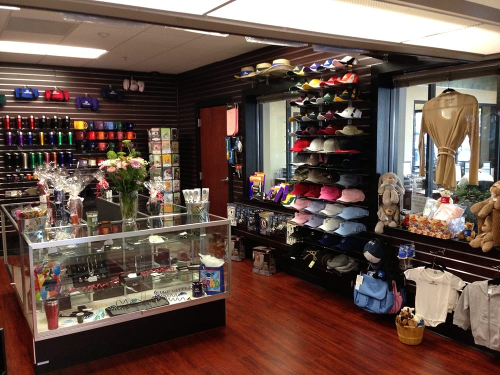 Women clothing stores. Major