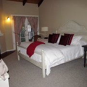 Merritt House Inn - Monterey, CA, États-Unis. Room 6, lovely high ceilings