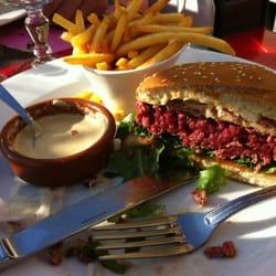 Le Crystal - Marseille, France. Délicieux burger !