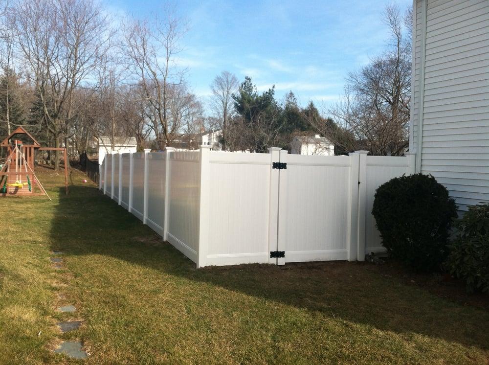 5 foot vinyl fence 1