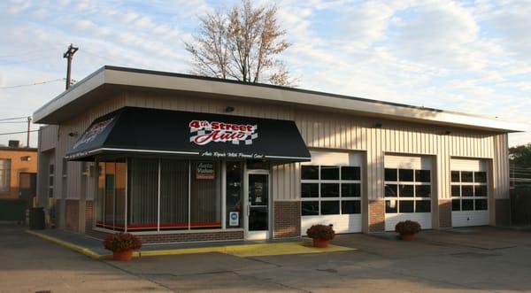 4th street auto care center downtown royal oak royal for Royal motors sf service
