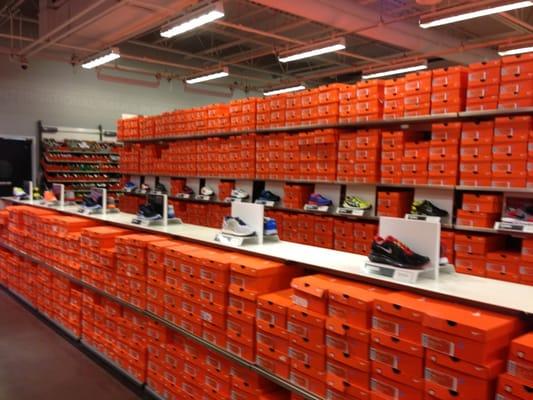 Nike Shoe Outlet Near Me