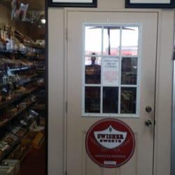 Marlboro pack of cigarettes price