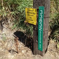 Walton Beach - Signage at beach entry. - Portland, OR, Vereinigte Staaten