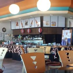 House modern sushi restaurant 199 1641 s for Modern house sushi 9 deler sett