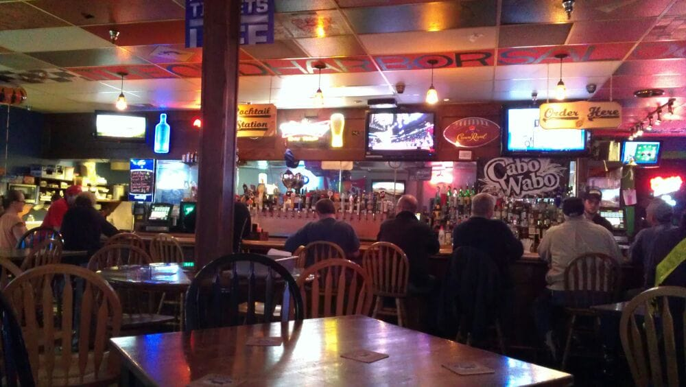 Halftime Sports Saloon Traditional American Restaurants Gig Harbor WA U