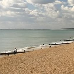 Milford Beach (milfordonsea-pc.gov.uk)