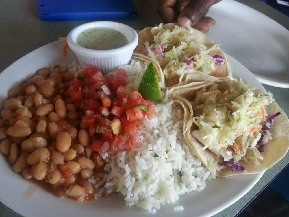 Wahoo s fish tacos 66 photos mexican restaurants for Fish taco restaurant