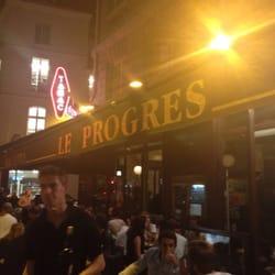 Le Progrès - Paris, France. Serveur pas très agréable , mais bonne ambiance