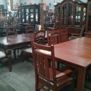 Sansaco furniture furniture stores 5950 s 180th st for Furniture in tukwila