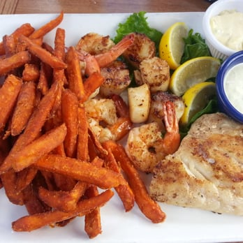 Fish tale grill by merrick seafood 135 photos seafood for Fish tales cape coral
