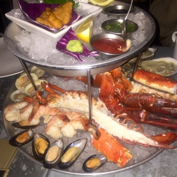 Emc seafood raw bar woodland hills ca united states for California fish grill woodland hills