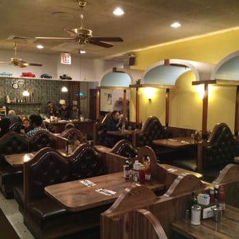 Salonica 38 photos diners hyde park chicago il for 57th street salon hyde park