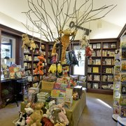 McIntyre's Books - The Children's Section is full of educational and fun stories - Pittsboro, NC, Vereinigte Staaten