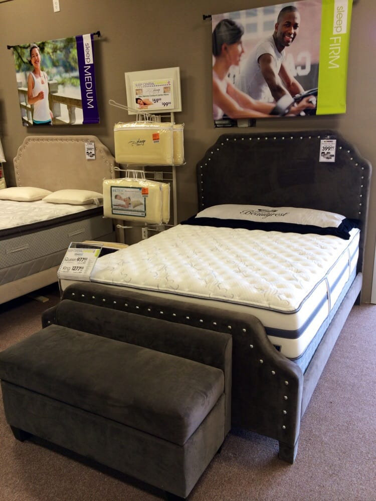 rooms to go clearance center 14 photos furniture stores 5380 frontage rd forest park ga. Black Bedroom Furniture Sets. Home Design Ideas