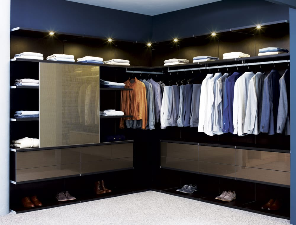Virtuoso Closet In Venetian Wenge Lago Finish With High