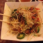 SaiGon Pho & Cafe - Grilled pork and egg roll vermicelli bowl - Forest Park, IL, Vereinigte Staaten
