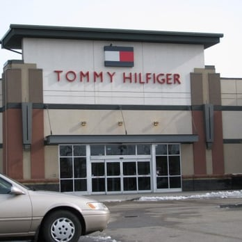 Tommy Hilfiger is a prime lifestyle brand. Whether you are in Toronto or anywhere in the GTA, visit the Vaughan Mills location today and get awesome deals. Know someone who loves Tommy Hilfiger Outlet?